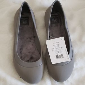 Nwt Crocs mammoth lined flats